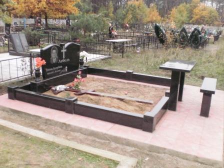 Изготовление памятников из гранита по низким ценам